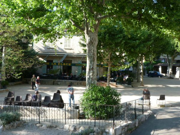 boules in St Paul de Vence
