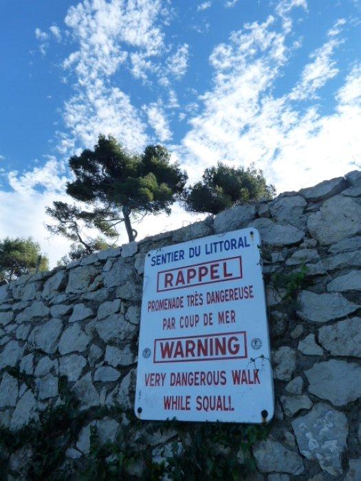 coast walk cap d'antibes warning sign