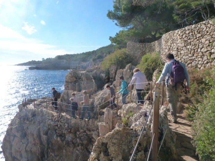 coastal walk cap d'antibes | Lou Messugo