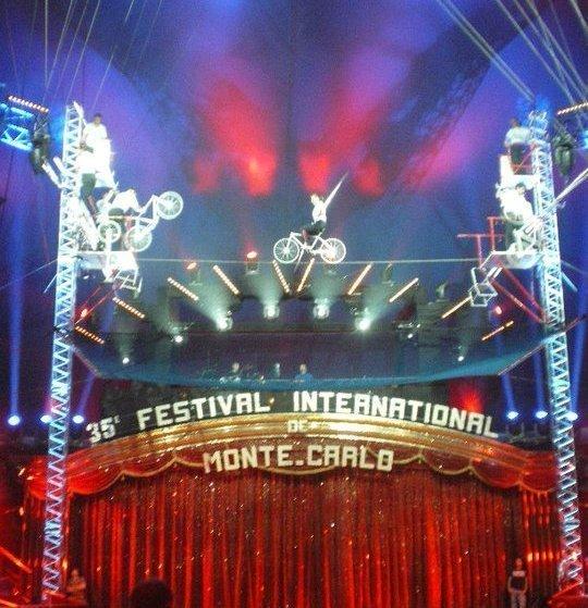 M-C Int fest circus