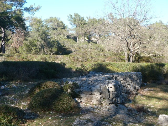 walk castellas roquefort les pins | Lou Messugo
