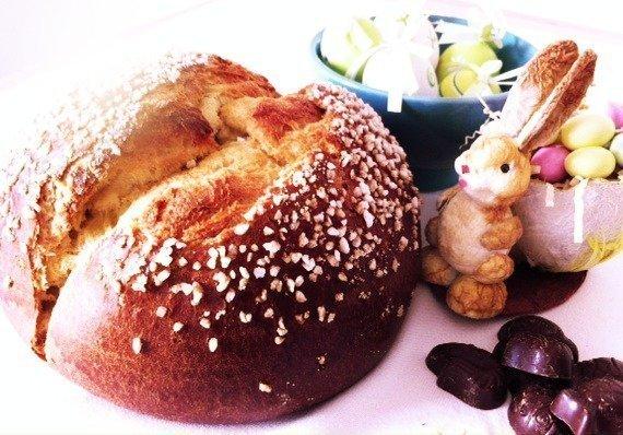 Mouna Easter brioche
