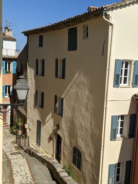 old building in narrow pedestrian street