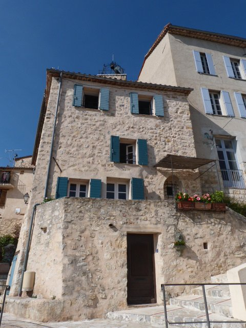Chateauneuf de Grasse perched village