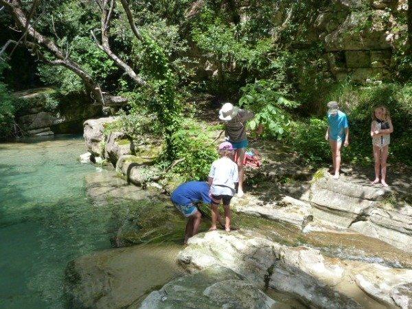 Riou river kids playing