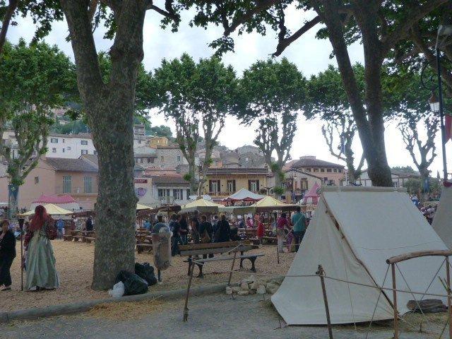 Villeneuve-Loubet village square