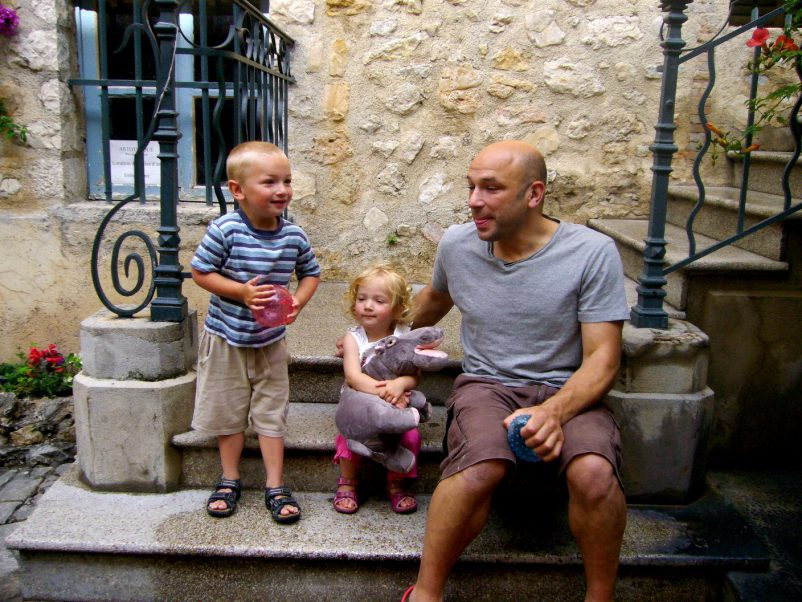 sightseeing with children in hill villages