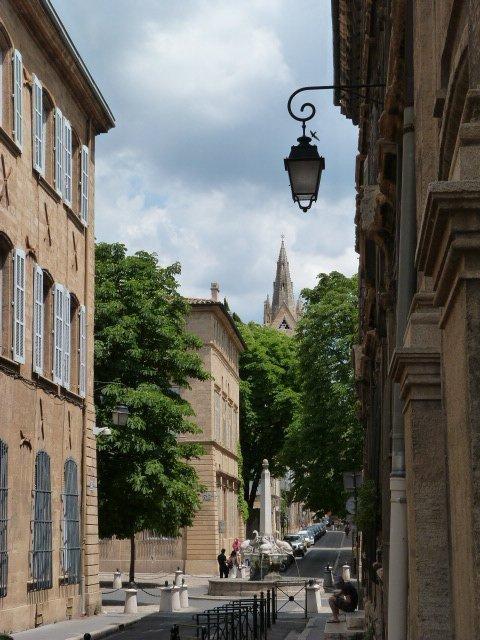 aix en provence street scene
