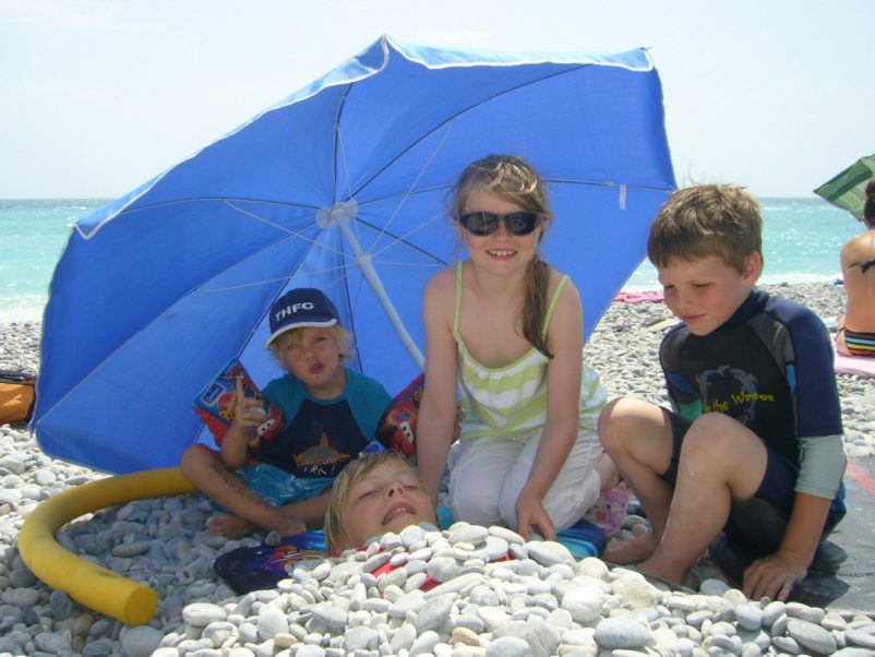 kids on pebble beach french riviera | Lou Messugo