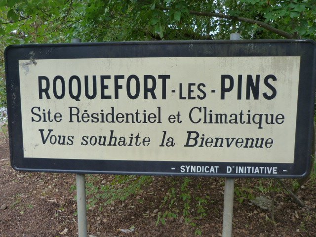 Show Me Your Neighbourhood – Visiting Roquefort Les Pins