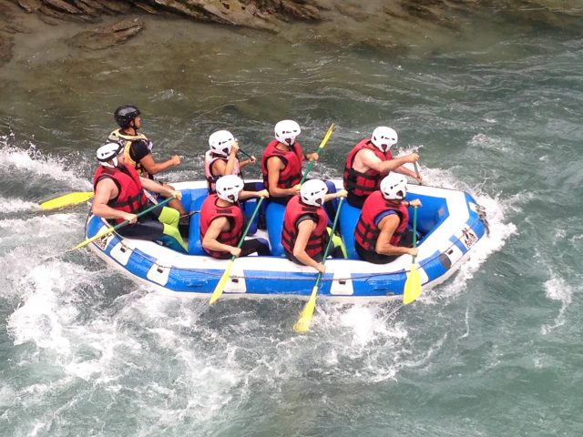 rafting extreme family sport