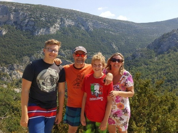 family in gorges du verdon