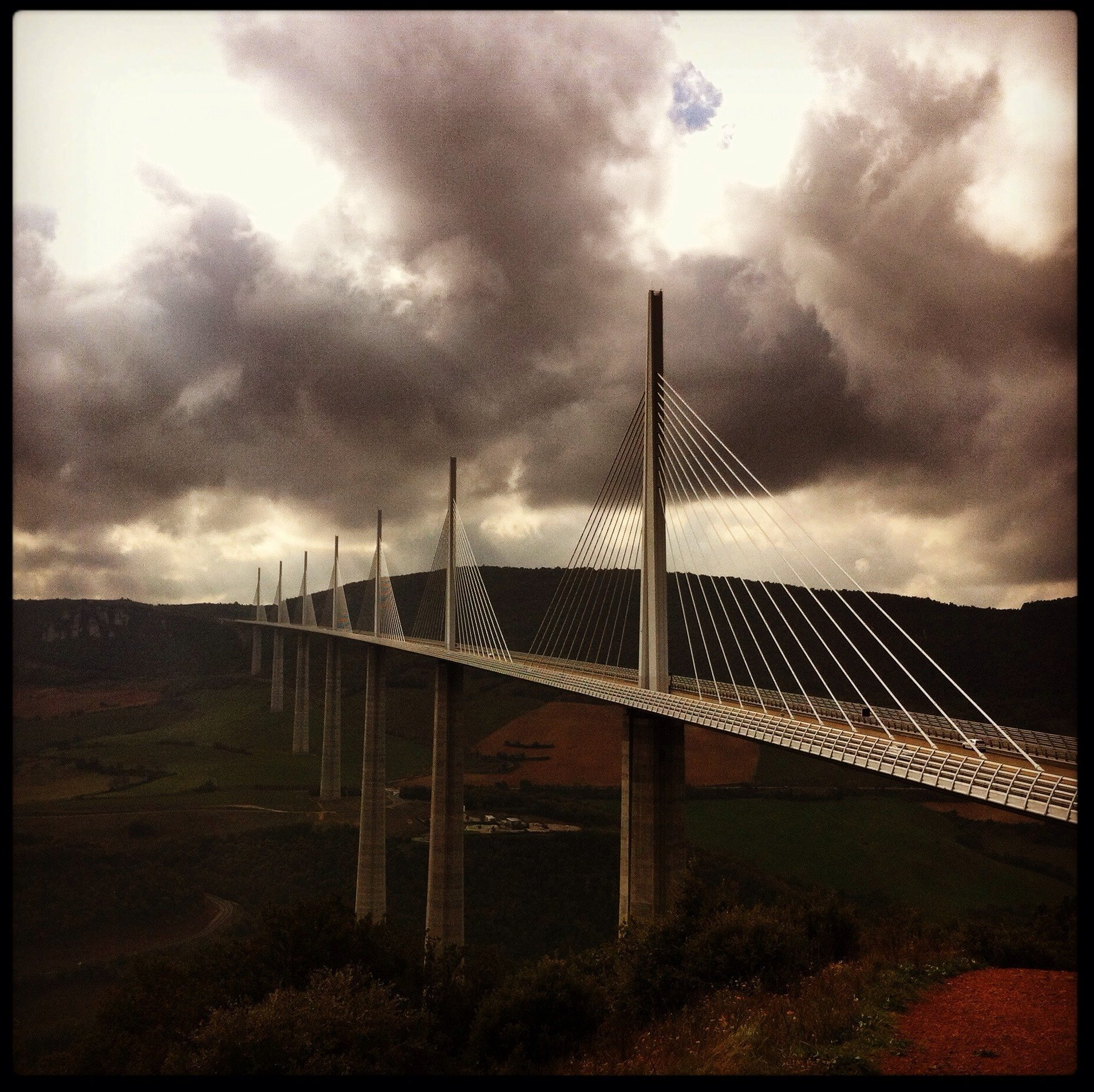viaduc de millau viaduct aveyron france tallest bridge in world