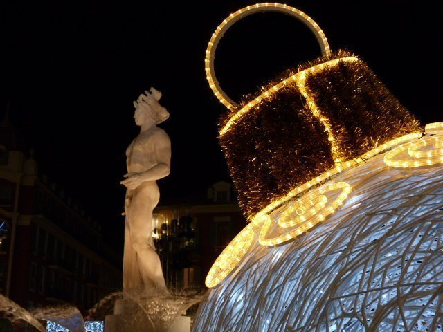 Nice-Christmas-decorations-France-01