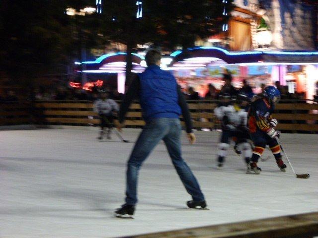 Nice-ice-rink-christmas