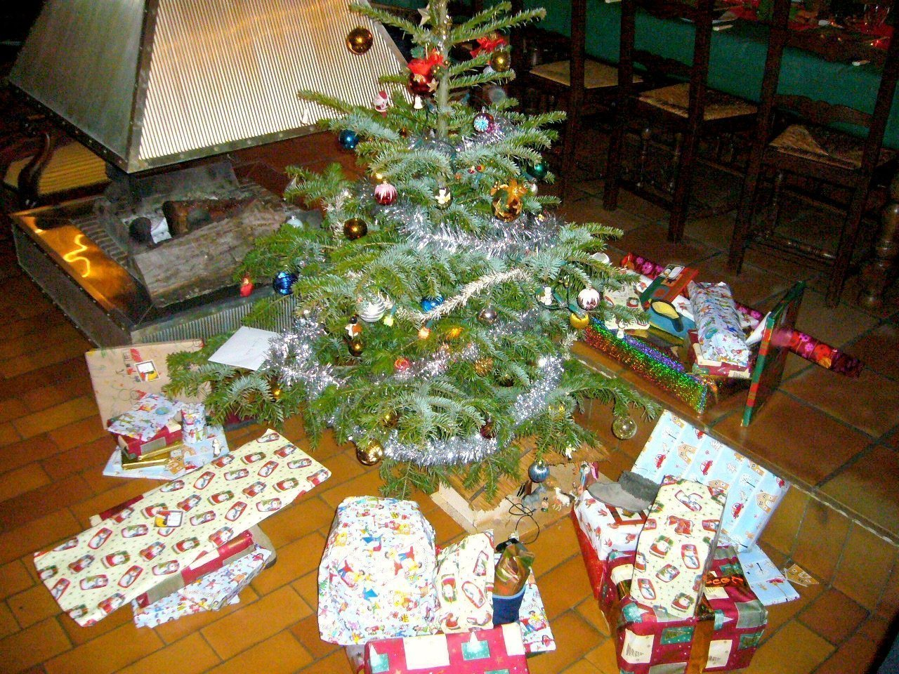 presents around tree