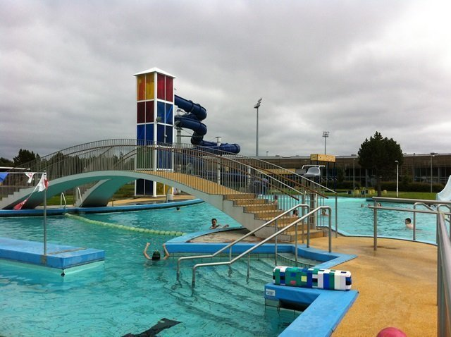 municipal pool in Iceland 2
