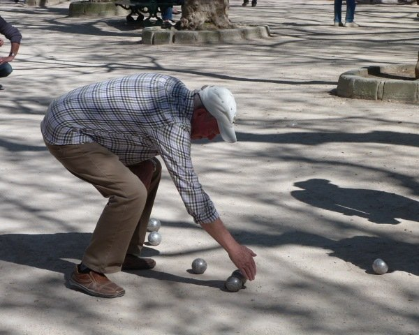 boules player Place des Lices St Tropez