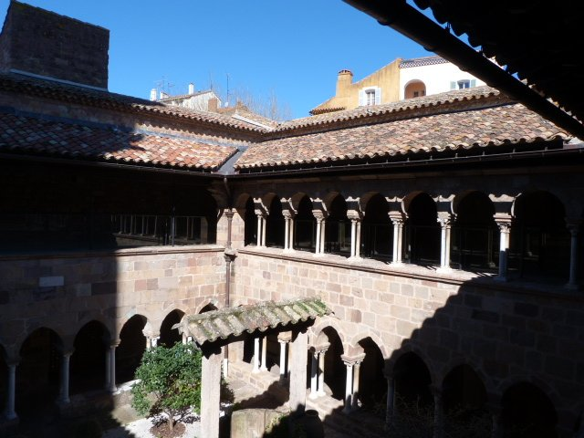 cathedral_cloisters_Fréjus