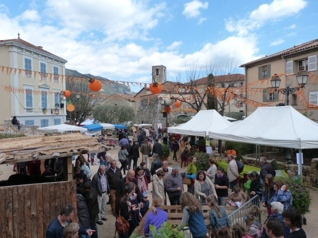 hillvillage Bar sur Loup orange festival french riviera