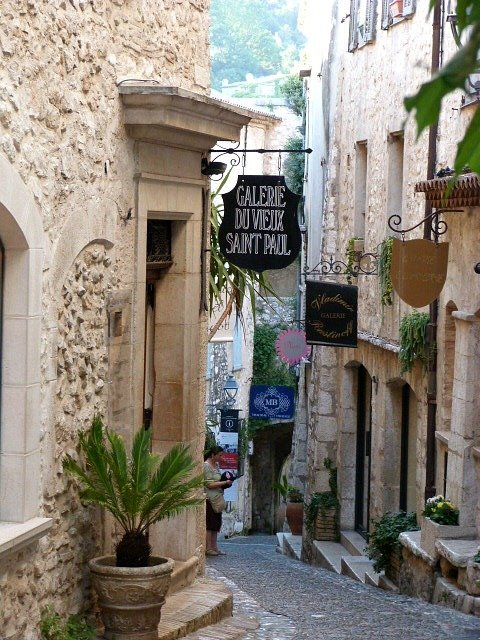 St Paul de Vence lane