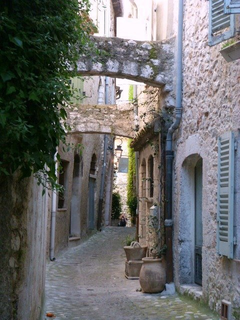alley in St Paul de Vence
