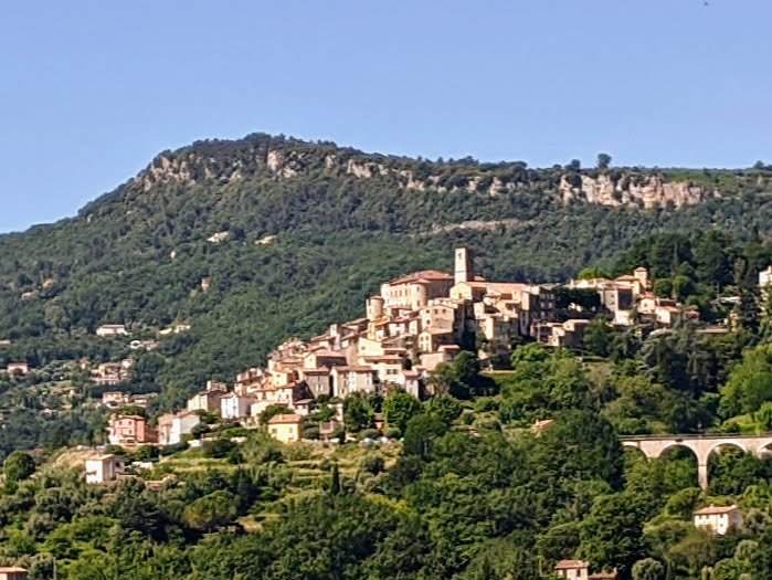 best hill villages near Nice