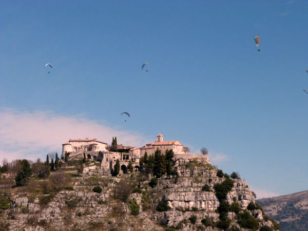 Gourdon paragliding Alpes Maritimes