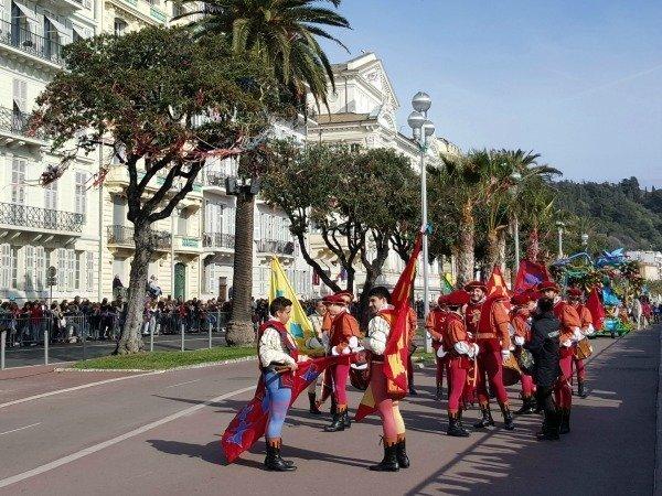 flag throwers Nice carnival