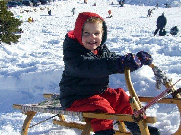 toddler sledging