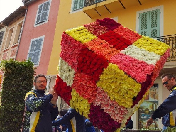 Vence carnival rubiks cube