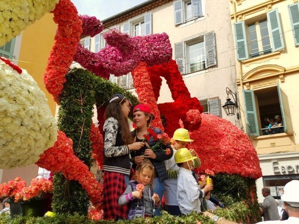 float at Vence Easter Carnival