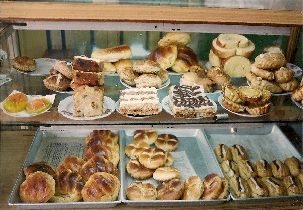 Vietnam memories cakes in café