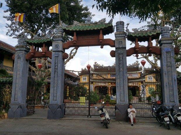 chinese pagoda hoi an