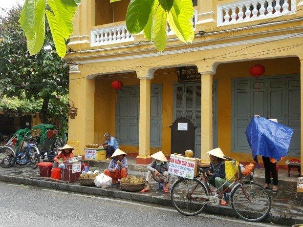 coconut sellers Hoi An