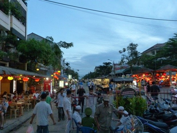 entrance to night market Hoi An