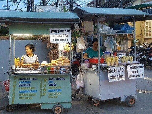 food stalls Hoi An night market