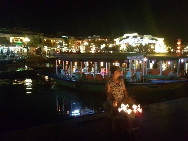 lantern_seller_Hoi_An