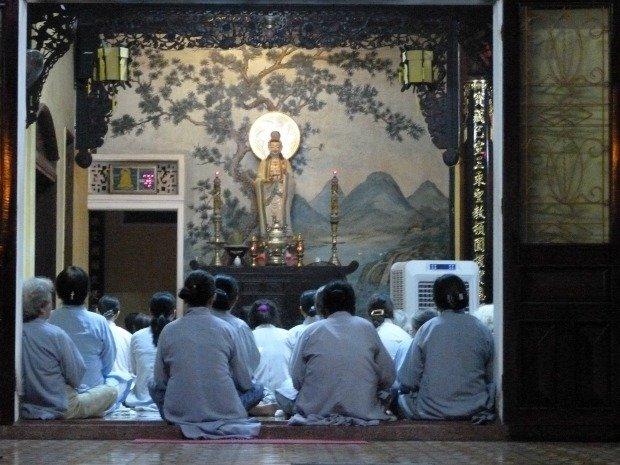 nuns in pagoda