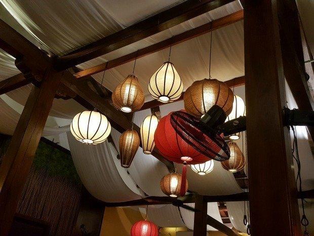 restaurant lighting Hoi An