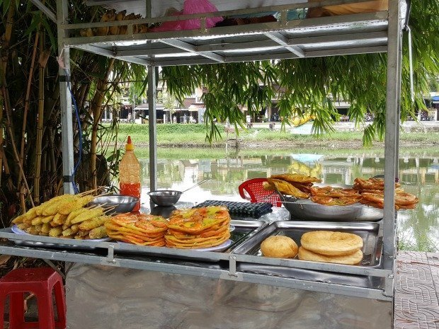 street food in Hoi An Vietnam