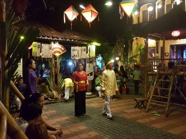 street loto game Hoi An