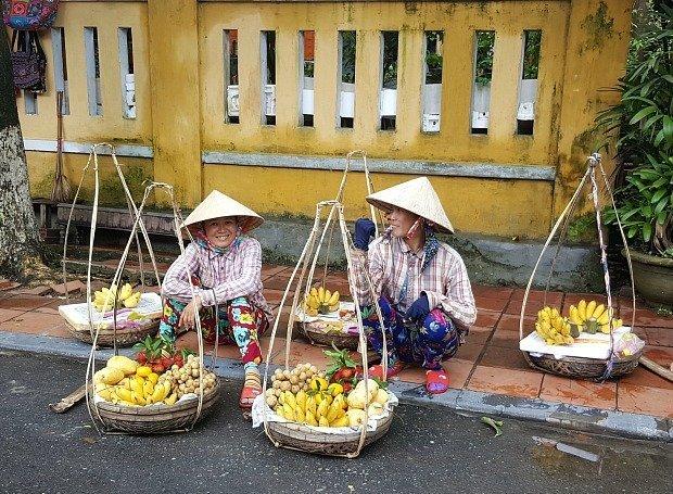 street sellers Hoi An Vietnam