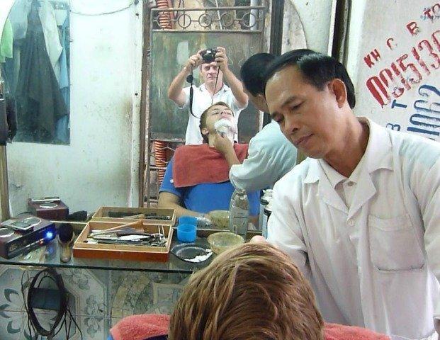 street shave Hanoi