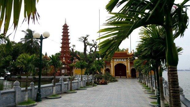 Tran Quoc pagoda Ho Tay Hanoi