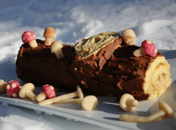 What is a bûche de Noël?