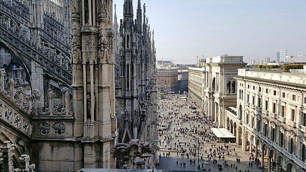 Milan side of Duomo