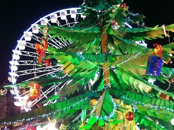 Christmas_Market_big_wheel_Nice_Côte_dAzur_France