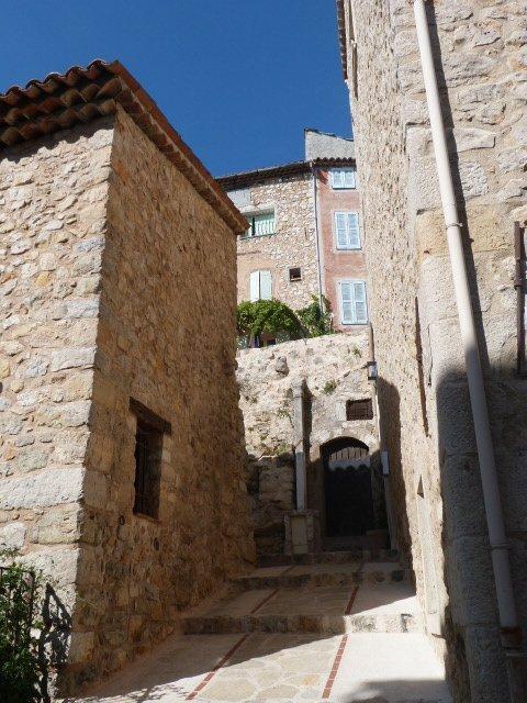 châteauneuf_de_Grasse_Côte_dAzur
