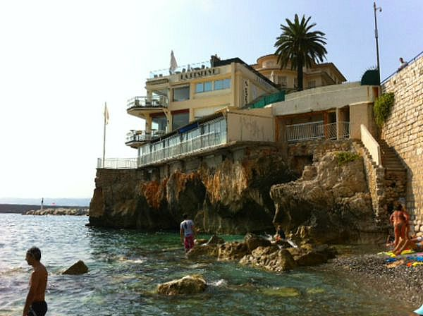 la_réserve_beach_and_restaurant